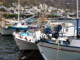 Barcas y piratas en Fourni